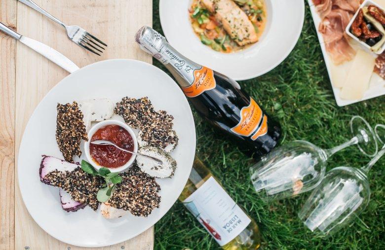 Nam propozycję pysznego piknikowego menu przygotował Mielżyński Wines Spirits Specialities.