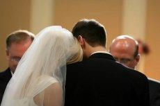 Po tym, jak została przewieziona do szpitala, para młoda postanowiła dokończyć ceremonię zaślubin.