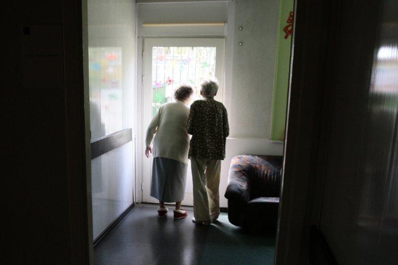 Chorzy na alzheimera nie poznają nawet siebie