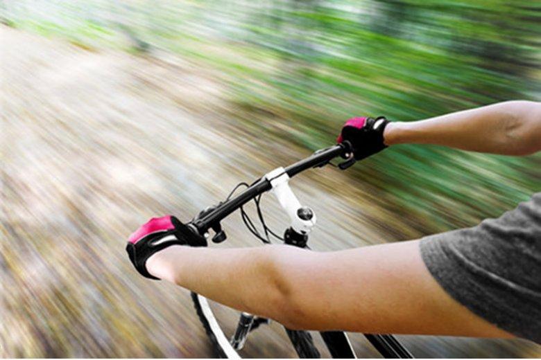 [url=http://www.shutterstock.com/dl2_lim.mhtml?src=bLoS8wbrWlkNYC3HkWuZ7g-1-18&id=111019718&size=small_jpg&submit_jpg=]Ścieżki rowerowe[/url] to prawdziwa szkoła przetrwania.