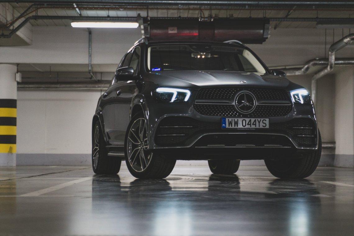 Mercedes GLE jest kolosalny.