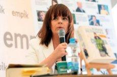 Karolina Korwin-Piotrowska nie zostawia suchej nitki na akcji #CzarnyProtest. To fejsbukracja, która z pozoru jest tylko obywatelską akcją, nie niesie nic poza lajknięciem.