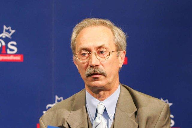 Stanisław Kostrzewski jednogłośnie decyduje o wydatkach partii.