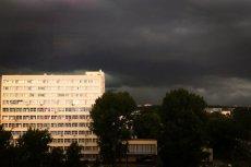 Burza nad Warszawą.