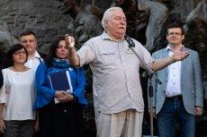 Lech Wałęsa apelował do zebranych na placu Krasińskim, żeby nie ustawali w walce o niezależność władzy sądowniczej.