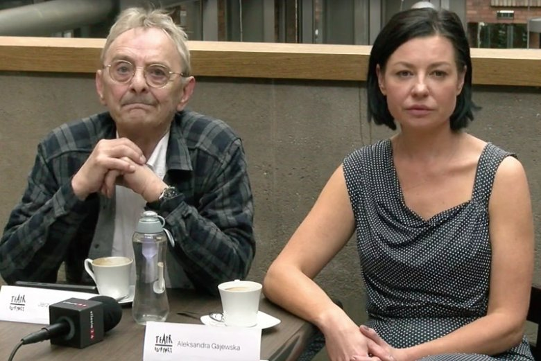 Jerzy Bończak i Aleksandra Gajewska podczas konferencji, która była powodem odwołania dyrektorki Teatru Rozrywki w Chorzowie.