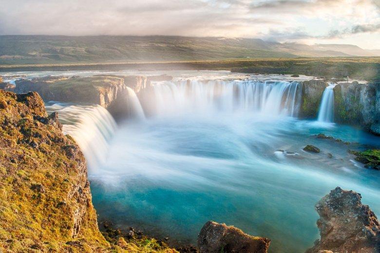 Islandzki wodospad Godafoss