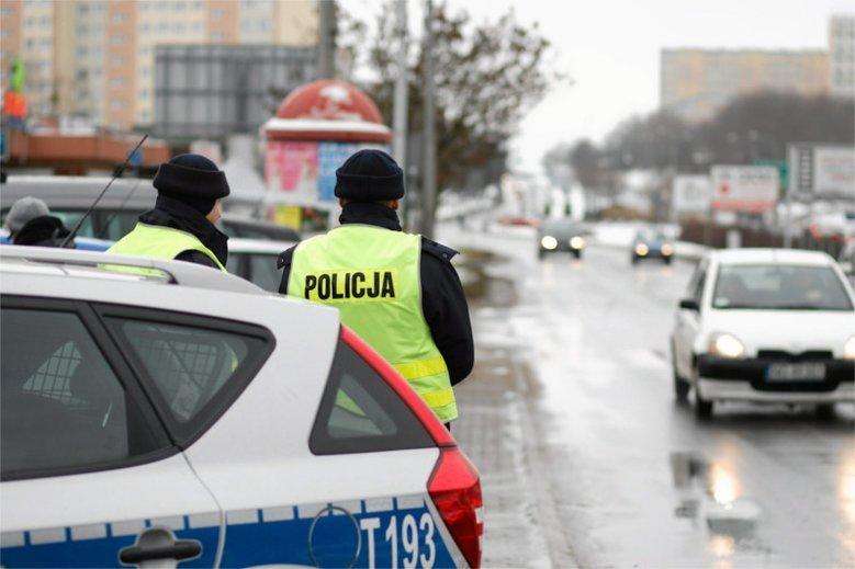 Na policjantów często spada obowiązek informowania rodzin o śmierci bliskich, np. w wypadkach.