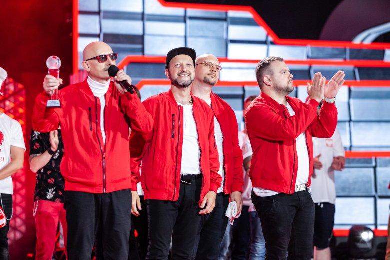 """Konkurs """"Przebój na mundial"""" na tegorocznym festiwalu w Opolu wygrał zespół Kombi z piosenką """"Polska drużyna"""""""