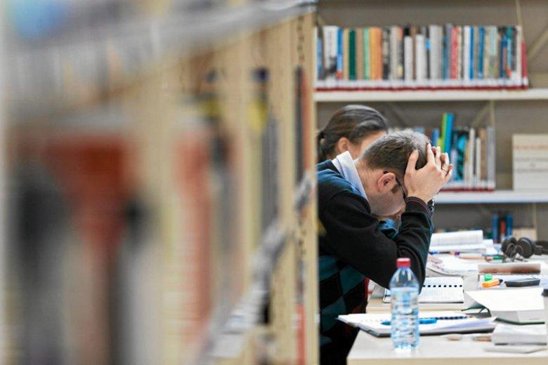 Wykładowca UAM w Poznaniu w dość kontrowersyjny sposób walczy z plagiatami wśród studentów.
