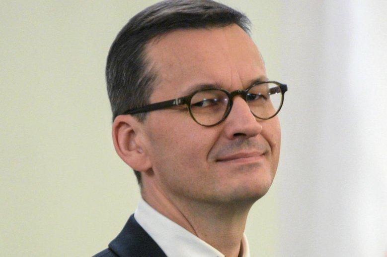 """Książka """"Delfin"""" o premierze Morawieckim ukaże się 20 maja. Kilka dni temu ukazała się także książka Tomasza Piątka """"Morawiecki i jego tajemnice""""."""