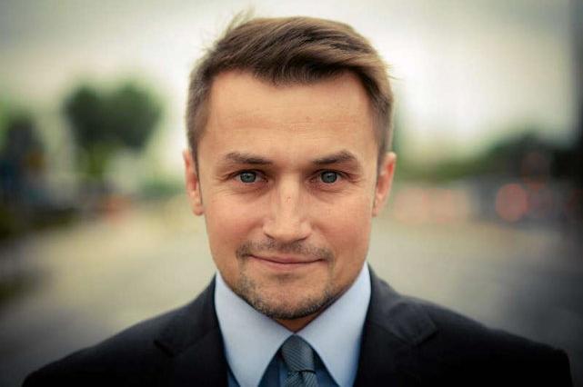 """Piotr Guział znów """"ostro"""" na Twitterze"""