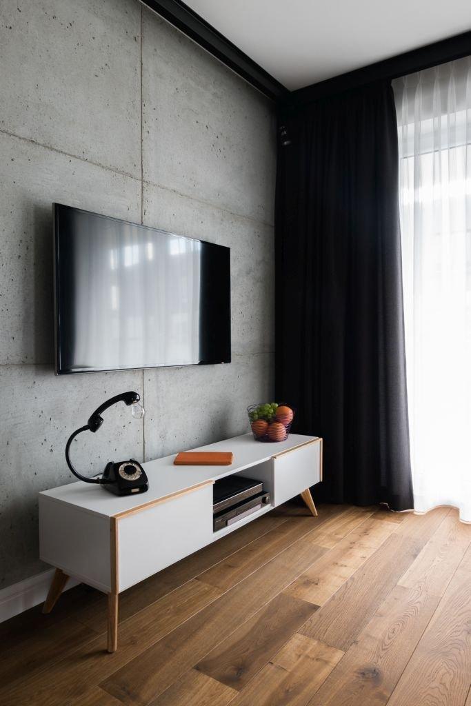 Wnętrze zaprojektowane przez pracownię architektoniczną Jacka Tryca. W mieszkaniu pojawiły się meble ze sklepu Le Pukka.