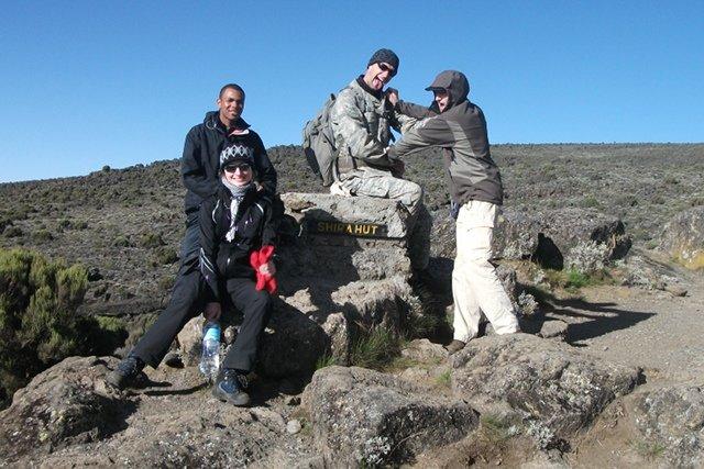 Joanna, Pawłowie i Evarist w trakcie wyprawy na Kilimandżaro.