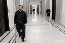 Ksiądz Isakowicz-Zalewski nie chce, żeby problemy w kościele były zamiatane pod dywan.