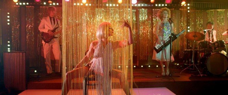 """Kadr z filmu """"Córki dancingu"""", fot. materiały promocyjne dystrybutora"""