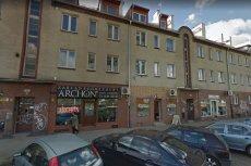 We Wrocławiu ktoś oblał kwasem masłowym niektóre zakłady pogrzebowe.