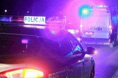 Dwóch policjantów zostało rannych po pościgu za kobietą w Łodzi.