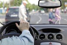 Kierowca skazany za potrącenie pieszego, który wtargnął na pasy na czerwonym świetle i był pijany.