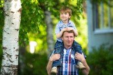Urlop rodzicielski nie dla mężczyzn. Korzysta z niego niecałe 2 proc. ojców