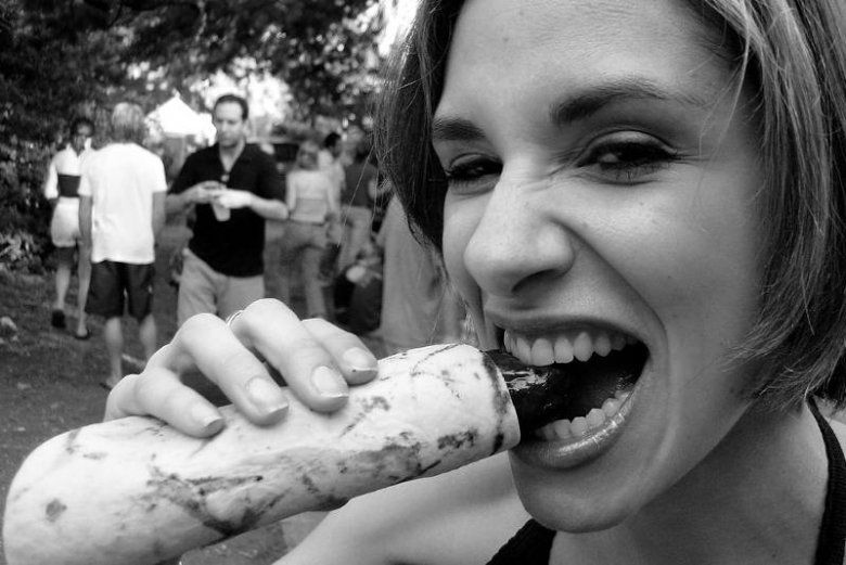 Przekąski na piknikach, koncertach czy imprezach nad rzeką / morzem / jeziorem mogą być latem dla nas zgubne. A gdyby tak notować wszystko co zjadamy?