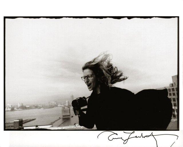 Annie Leibovitz, Autoportret z aparatem /1990
