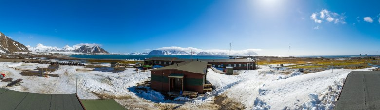 Widok z dachu warsztatu mechanicznego