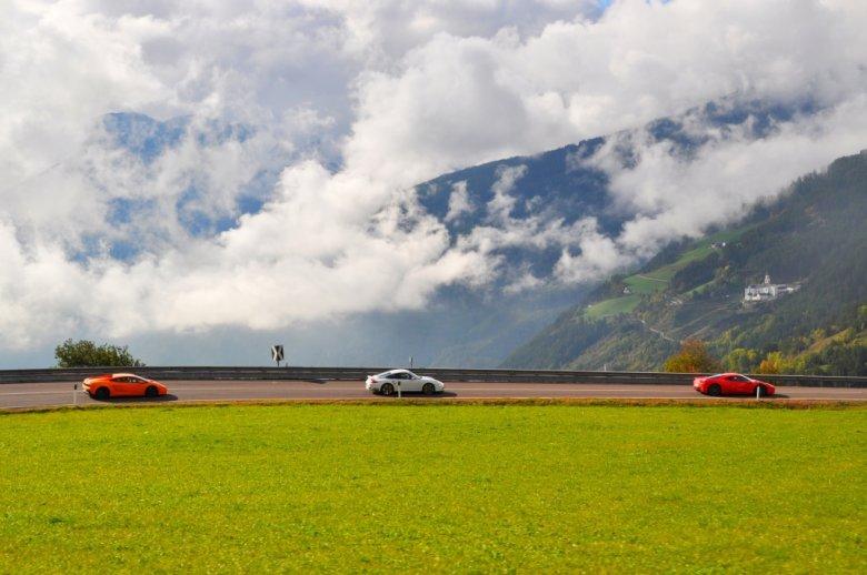 Gran Turismo to radość z pokonywania przestrzeni, swobody, bycia co chwila w innych miejscach