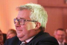 Ryszard Czarnecki wytłumaczył się z niefortunnego komentarza pod adresem internautki.