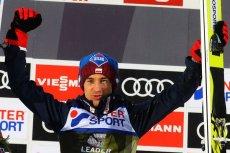 Kamil Stoch dzięki fenomenalnej próbie w drugiej serii zajął w Sapporo drugie miejsce.