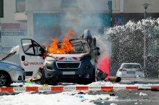 Na warszawskim Bemowie wybuchł samochód z gazem. Dwie osoby nie żyją, a co najmniej pięć jest rannych.