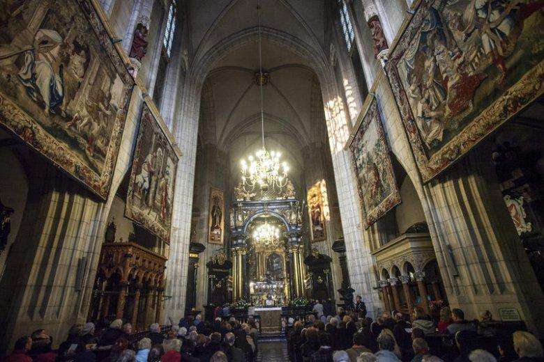 Ile państwo polskie wydaje na Kościół?