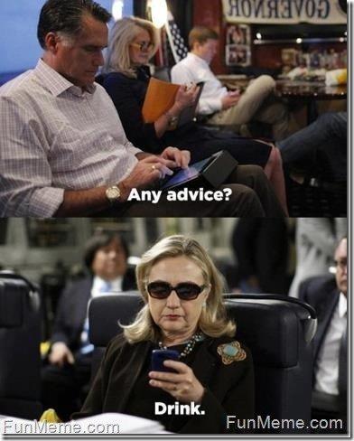 Romney doczekał się słynnego meme'a z Hillary Clinton piszącą na BlackBerry