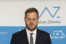 – Dostaliśmy ostrzeżenie o tym, że w lekach zostało wykryte zanieczyszczenie – poinformował wiceminister zdrowia Janusz Cieszyński.