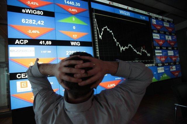 Spadki na giełdzie i droższy frank szwajcarski - tymczasem politycy wmawiają nam, że grecki kryzys jest dla nas niegroźny